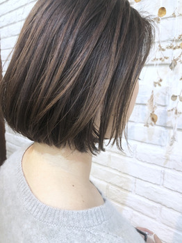 毛先が乾燥してまとまらない方のスタイリング剤の画像