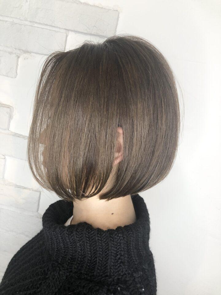 透明感のあるツヤ髪は、口コミ星5つのイルミナカラーで作る。の画像