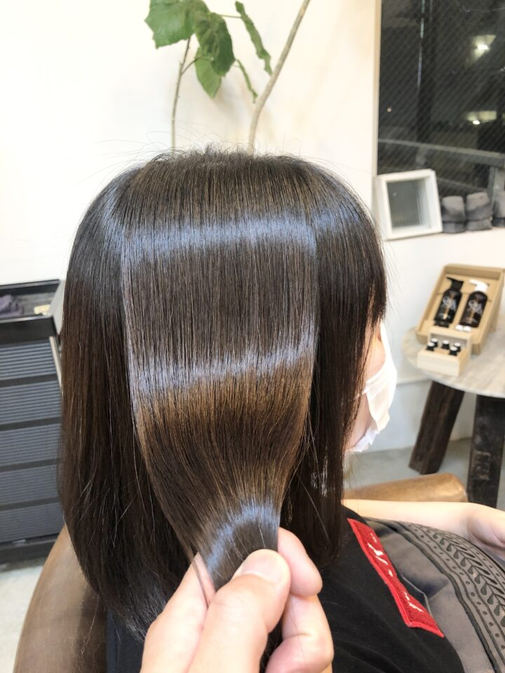 癖毛で前髪が上手くスタイリングできない。。の画像